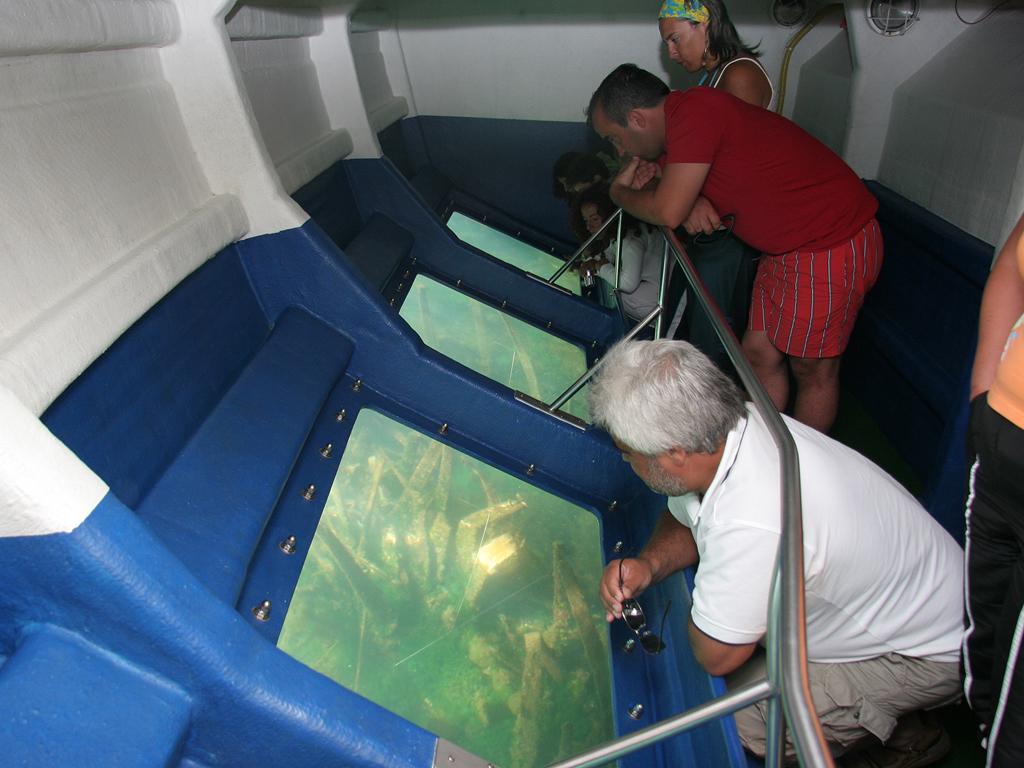 Catamarán Vista Submarina